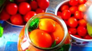Простой и вкусный способ закатки помидоров на зиму