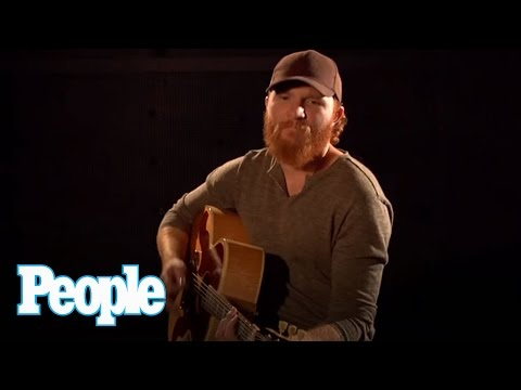 "Country Singer Eric Paslay Performs His Single ""Friday Night"" 