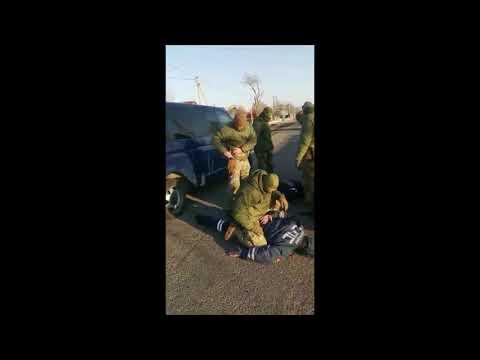 ФСБ вяжет наряд ДПС за взятку в Хороле Приморского края 7.12.19