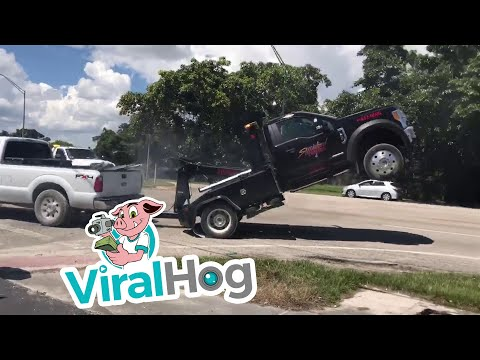 Bodhi - A Repossessed Pickup Has a Tug-Of-War with a Tow Truck (Video)