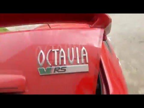 Skoda Octavia Tour стойки крышки багажника