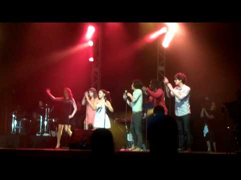I Want You Back - Victorious Cast (Summer Concert Series Universal Orlando) [Jackson 5 Cover]