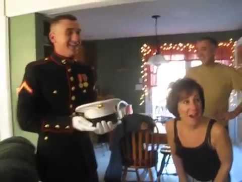 U.S Marine Surprises Parents on Thanksgiving Day 2012