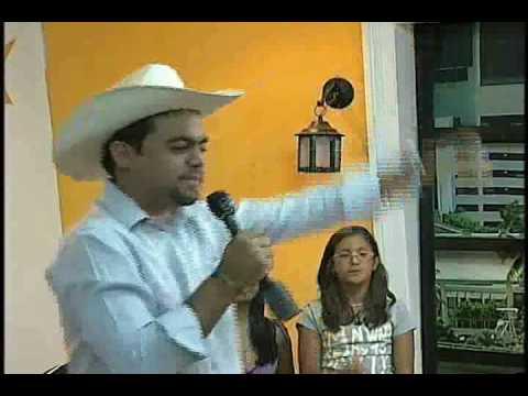 CARLOS Gustavo canta La amansadora