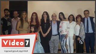 بالفيديو.. دينا ودوللى شاهين ودعاء صالح ومينا عطا يشاركون فى أسبوع الموضة