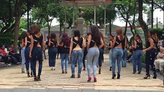 Sexy Girls With Amazing Dancing Skills