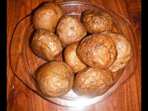 Запечь картошку в мундирах в духовке