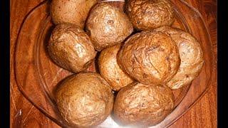 видео Картошка в мундире в микроволновке