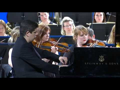 Royal Philharmonic Orchestra Javier Perianes, piano Charles Dutoit, director