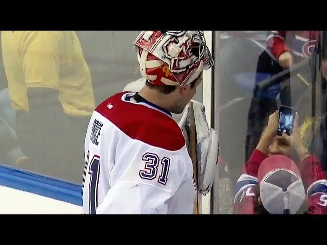 Price takes selfie with fan during TV timeout