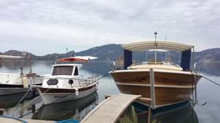 Средиземное море. Яхты. Причал. Поселение. Окрестности Мармариса. Турецкое село.