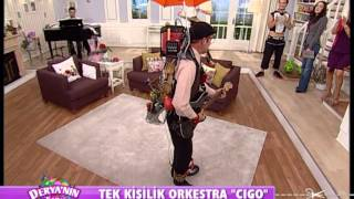 Amazing One-Man-Band Street Performer in Croatia     CIGO.mpg