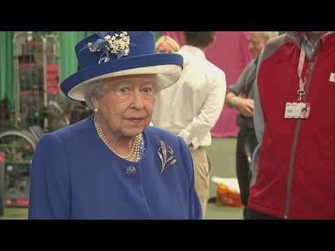 Grenfell Tower fire: Queen praises London community for reacting in the 'right way'