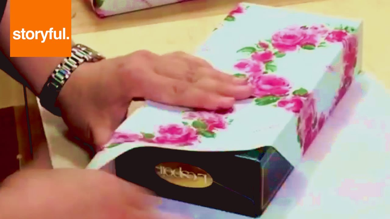 How to wrap a present like a complete pro this Christmas