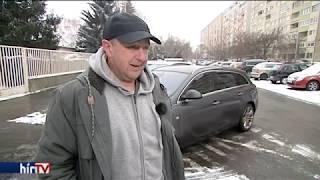 PANASZKÖNYV - Egy utat sem bírt ki a szervizből elhozott autó