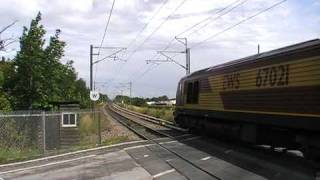 trains and tones at doncaster station and line side psb crossing 30/7/09 part 1 of 2