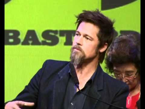 Brad Pitt and Tarantino in Tokyo to promote Inglorious Basterds