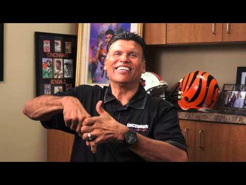 Anthony Munoz: Show Us the Finger