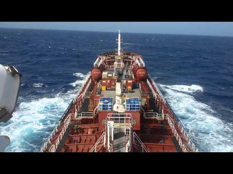 Oil chemikal tanker