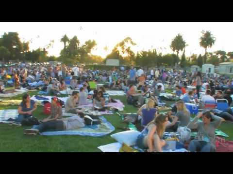 Welcome To Cinespia: Outdoor Cinema