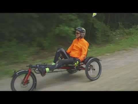 Riding Hase recumbent trikes: Renata & Russell