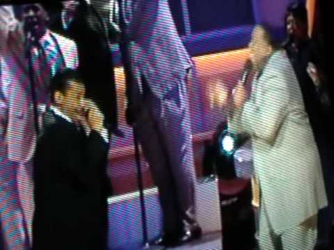 Hezekiah Walker (Live performance) God Favored Me Featuring Marvin Sapp and DJ Rodgers