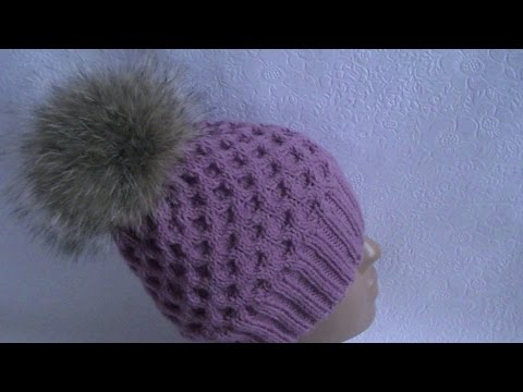 Hand-knitting of a honeycomb hat