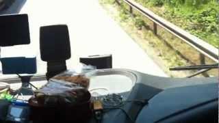 TIR la yolculuk,, bulgaristan,yolun ortasinda duruyorlar