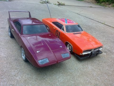 The Fast & Furious Vs The Dukes Of Hazzard!: The Ultimate Movie Car Showdown. Fast & Furious vs Dukes Of Hazzard. Unlike Hollywood Films, no Dodge Chargers were destroyed in the making of this film. For more radio control car action subscribe to my channel: Radio Control Universe https://www.youtube.com/channel/UCbWbPNaJvCgM7uViQhS566A   See a full  review of the General Lee Car here: https://youtu.be/Db6iXkIMd0E  Thanks for watching!  See the General Lee race in this video: https://youtu.be/Qof1bxnjP7o