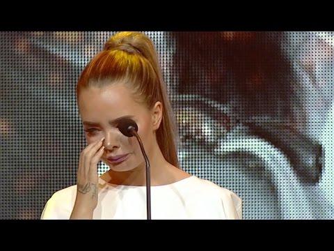 Her brister Sophie Elise ut i gråt på scenen: - Dette er helt fucka