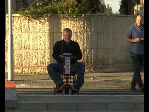גלובס TV: חלמאות ישראלית מסכנת חיי אדם בכביש סואן
