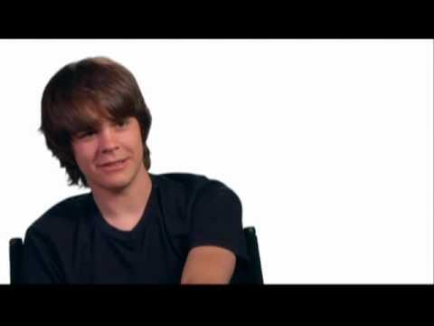 Interview with Johnny Simmons for Scott Pilgrim VS The World