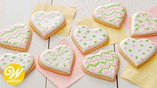 How to Cover a Cookie with Thinned Royal Icing | Wilton