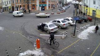 Велосипедист и шлагбаум Мукачево(, 2016-12-11T08:00:04.000Z)