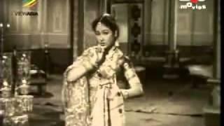 Jaise Ho Gunjta Sureela sur kisi ke pyar ka_Asha Bhosle_ Naulakha Haar (1953).flv