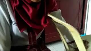Siswi smp cantik bersolawad swaranya merdu
