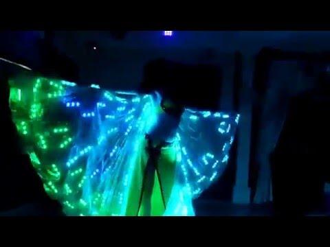 Супер красивый восточный танец ! Очень красиво ! Мне очень понравилось !