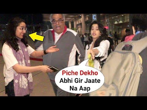 Jhanvi Kapoor And Shraddha Kapoor Sweet Gesture For Media At Mumbai Airport