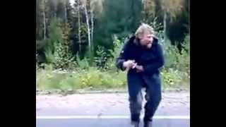 Пьяный клёво танцует)))(, 2014-10-19T17:57:06.000Z)