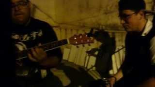 Banda Linha 12 OI - Caminhos Incertos[Virus 27] no violão e todos bebados