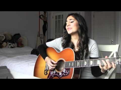 """Mia Rose sings """"Whats my name?"""" by Rihanna (Acoustic)"""