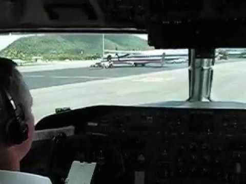 Dash-8 Landing Beef Island.wmv