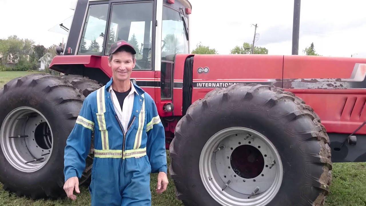 International 2+2 3588 Tractor- Sam Taylor