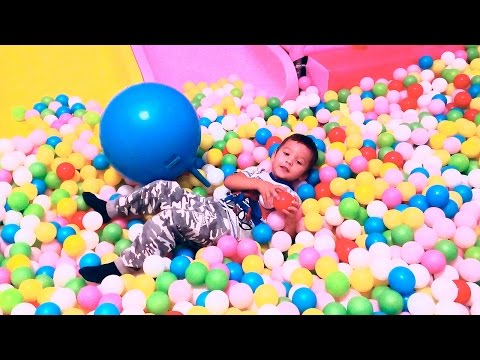 Много шариков Развлекательный детский центр с горками и батутами Мадагаскар Воронеж Видео для детей