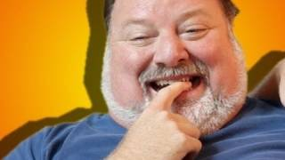 PHIL MARGERA BIT MY FINGER (Parody) - Charlie Bit My Finger