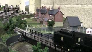 Bachmann 9f 2-10-0 locomotive with sound.mpg