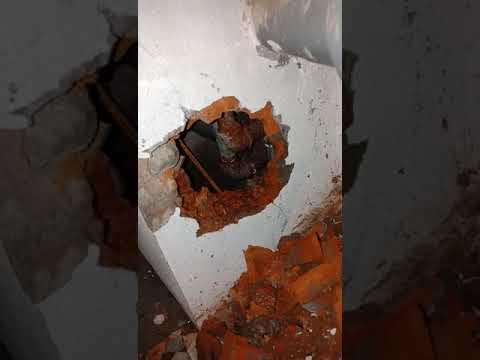 sửa ống nước bục vỡ trong hộp kỹ thuật tại Hà Nội - YouTube