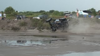 Jeep wrecks in Water - Driver Rescued