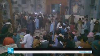 كيف ردت قوات الأمن الباكستانية على استهداف مزار صوفي؟