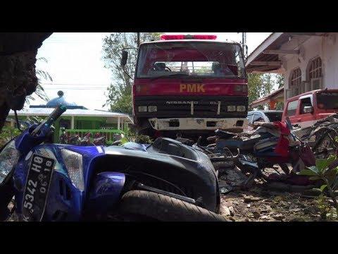 Aksi DAMKAR sebelum kecelakaan Balung Jember
